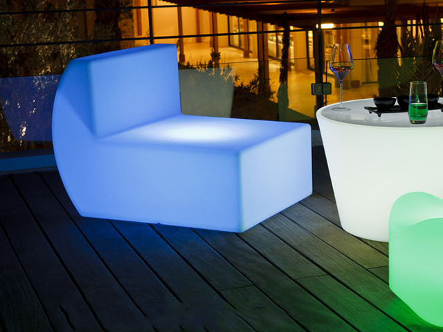 m4-fauteuil-down-location-tente-mobilier-geneve.jpg